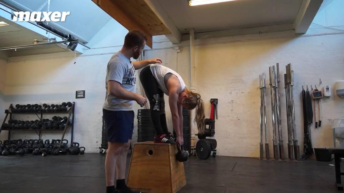 Jefferson curl er en god øvelser til at få bevidsthed om din rygs position.