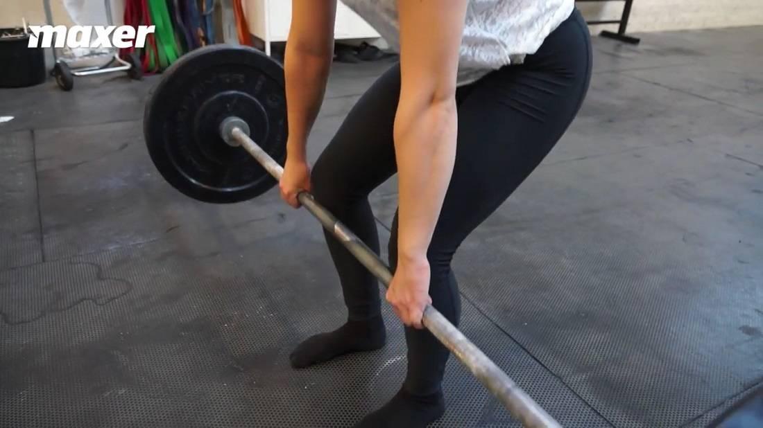 Når du skraber mod skinneben eller knæ i dødløft skaber du modstand - dermed en ulempe.