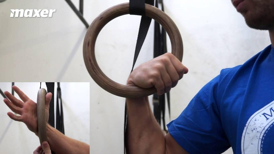 False grip eller på dansk dybt greb er et must for at lave muscle up.