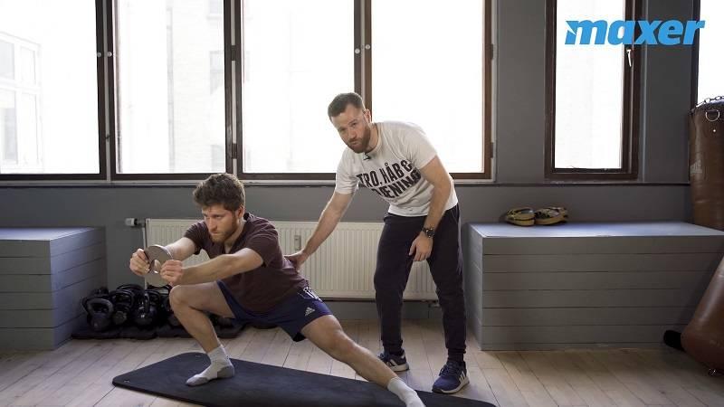 Side squat træner især dine inderlår og lysken, men også dine knæ.