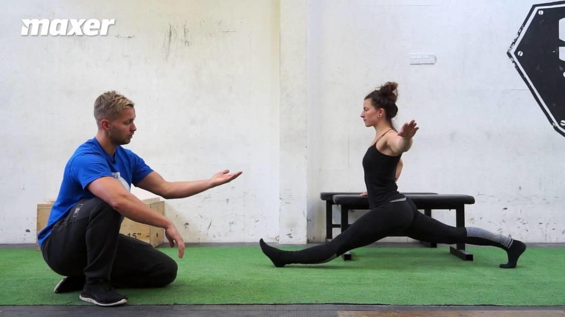 Med den pulserende og eventuelt støttede front split får du en specifik måde at træne spagaten.