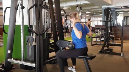 """I træningsverden bliver nogle øvelser desværre kategoriseret som """"forbudte"""" og fokus er ofte på """"rigtig"""" eller """"forkert"""" teknik."""