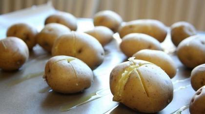 Kartofler er en god kilde til kulhydrat og kostfibre.