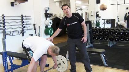 Pendlay rows minder om almindelige rows med en pause i bunden, som gør du kan løfte mere vægt.