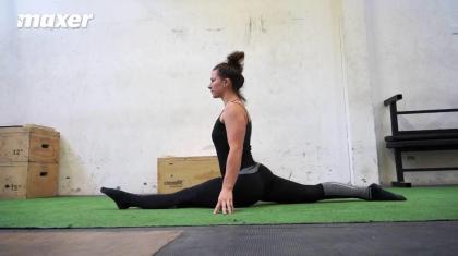 Spagat (front split på engelsk) er en smidighedsøvelse, som stiller store krav til dine baglår og hoftebøjere.