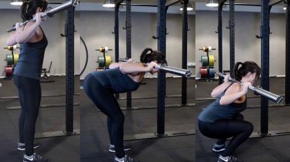 Squatmorning (Kang squat) er en god øvelse til at lære at læne overkroppen frem i squat, så du kan komme dybere.