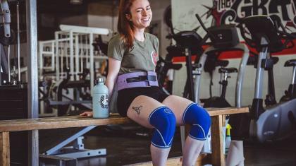 Menstruationen påvirker hvordan kvinder optimalt set kan styrketræne - og der er mange myter om træning for kvinder.