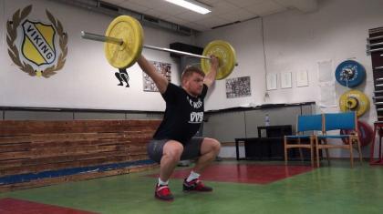 Træk (snatch) er en af de klassiske løft fra den olympiske vægtløftning.