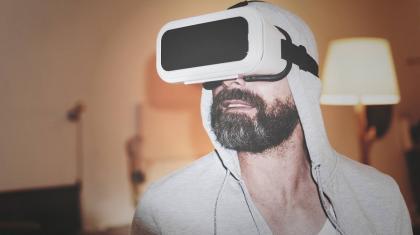 Virtual reality (VR) er en teknologi med mange interessante muligheder for behandling af smerter indenfor fysioterapien.